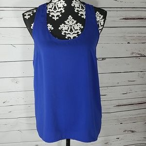 Womans flowy tank size Small
